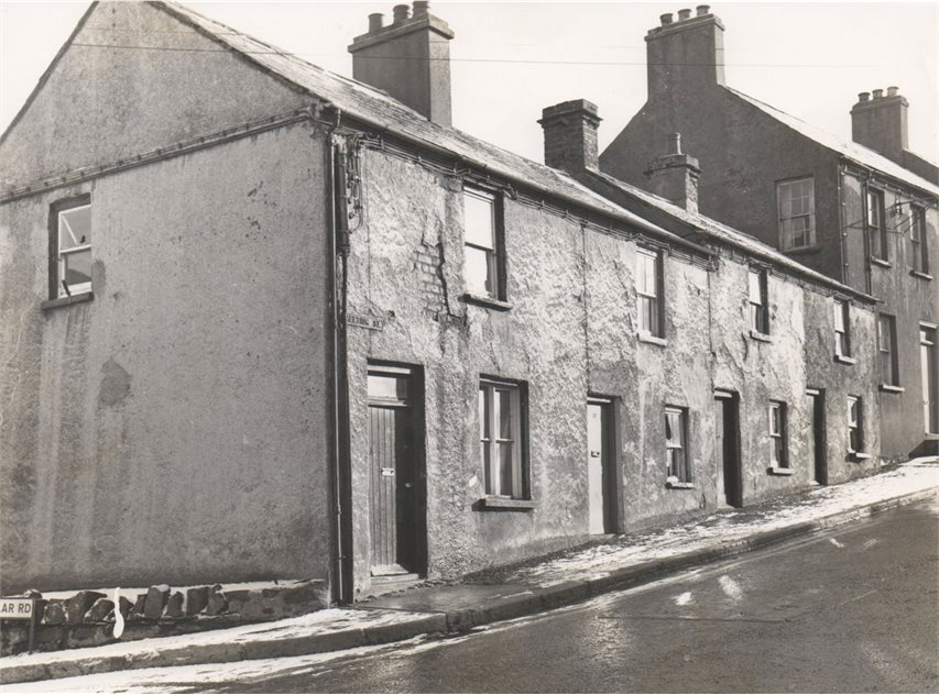 Image: Houses before removal, February 1978, HOYFM.L1092.1