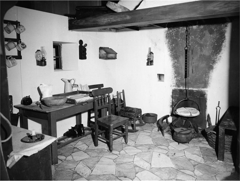 Image: An old farmhouse kitchen. BELUM.Yt2805 © National Museums Northern Ireland.