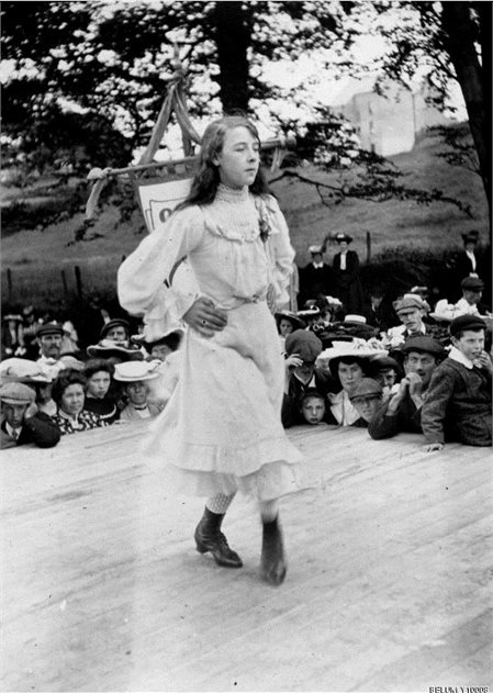 Image: BELUM.Y10008 Cassie McNeill pictured as she competes in Irish Dance at the 1904 Feis, Waterfoot, Co. Antrim.