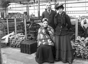 Mr, Mrs & Miss Gordon, November 18, 1901, in Spinning Mill