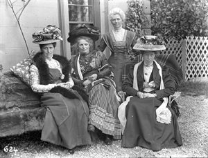 Sentry Hill:  Mrs Dundee, Mrs Polly Hall, wife of Dr Hall, Royal Terrace, Belfast.  Mima McKelvey, Glastry House, Kirkcubbin, Miss McKinney (standing); W. F. McKinney (standing)