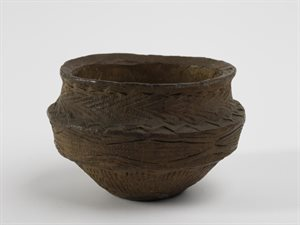 Pot : food vessel : bowl : tripartite