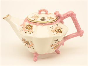 tea pot and lid