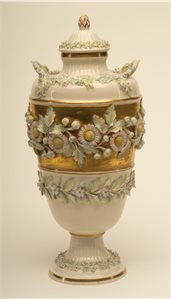 URN; covered urn : with lid