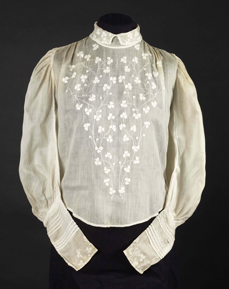 Cotton blouse with shadow work embroidery, 1900-1910