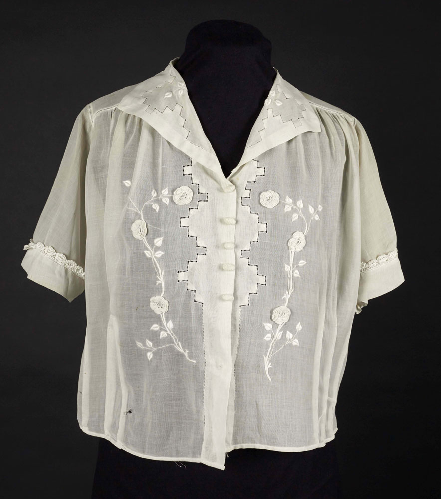 Cotton blouse with crocheted rose design