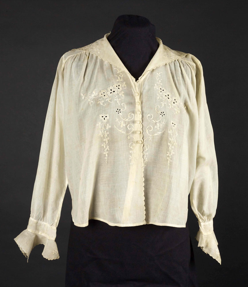 Cotton blouse with sailor collar, 1915-1920