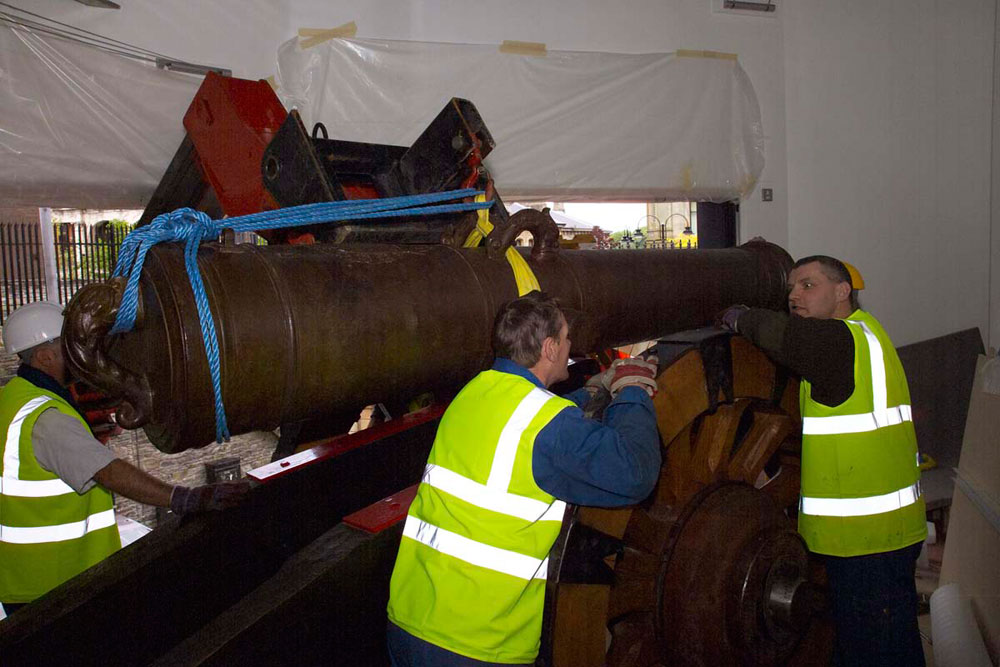 Specialists unpack the cannon for installation in the Tower Museum, Derry/Londonderry