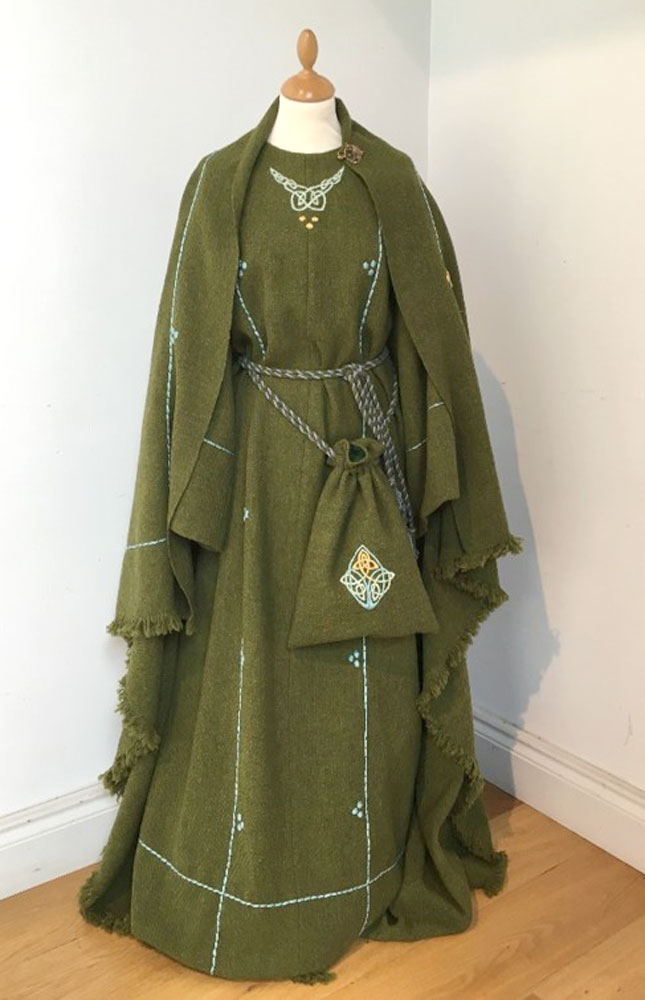 Dress, shawl and bag of handwoven tweed.  Made in 2014. © National Museums Northern Ireland