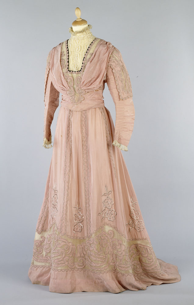 Edwardian day dress - donated 1985. BELUM.T2554 © National Museums Northern Ireland