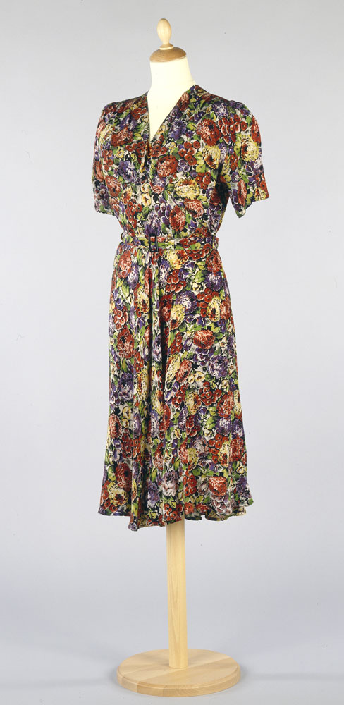 Silk crepe afternoon dress c.1937 - home-made. BELUM.T3021 © National Museums Northern Ireland